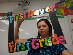 First Day and Classroom Pics. This would be a cute idea for Kindergarten!