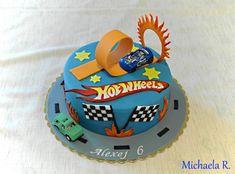 Bolo Hot Wheels, Hot Wheels Cake, Hot Wheels Party, Wheel Cake, Thomas Cakes, Hot Wheels Birthday, Cake Templates, Birthday Cake Pictures, Novelty Cakes