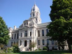 Kosciusko County Courthouse (Warsaw, Indiana) by courthouselover, via Flickr