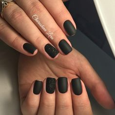 There are three kinds of fake nails which all come from the family of plastics. Acrylic nails are a liquid and powder mix. They are mixed in front of you and then they are brushed onto your nails and shaped. These nails are air dried. Black Sparkle Nails, Hot Pink Nails, Black Coffin Nails, Black Acrylic Nails, Matte Black Nails, Black Nails Short, Black Manicure, Matte Gel Nails, Black Nail Art
