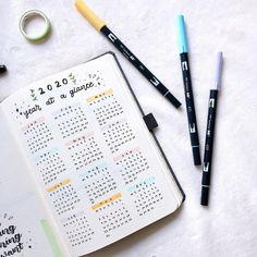 Do you have a year at a glance spread in your 2020 bullet journal? Hayley uses a very simple and classic layout that will help unify her BuJo all year round.  [photo credit: Hayley (@hayleys.bujo)]