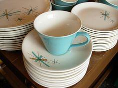 Salem North Star midcentury dinnerware :D So Modern Dinnerware, Vintage Dinnerware, Midcentury Dinnerware, Vintage Dishes, Vintage Kitchen, 1950s Kitchen, Vintage Table, Vintage China, Retro Vintage