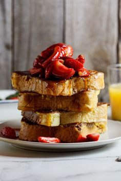 Lemon French toast with strawberries and maple syrup. #breakfast #brunch #vegetarian #summer #spring #frenchtoast