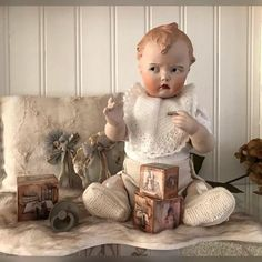 The Porcelain China Diane Big Baby Dolls, Baby Toys, Tiny Tears Doll, Doll Display, Bear Doll, Old Dolls, Dollhouse Dolls, Antique Toys, Reborn Dolls