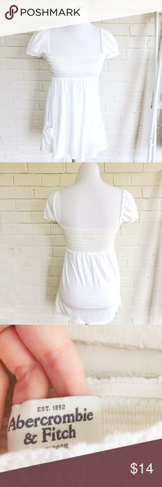 Abercrombie & Fitch white peasant boho pocket top Make an offer! No size tag, but fits like a small. No trades. Bundle and save - I'm a fast shipper! Abercrombie & Fitch Tops Blouses