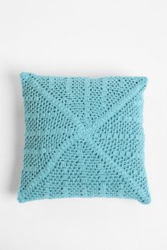 I have an on-again.. off-again relationship with crochet things..
