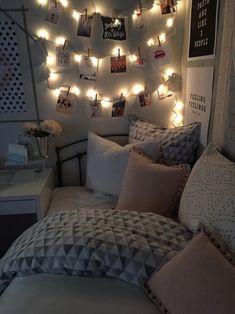 15 Secillas ideas para decorar tu habitación y sus paredes Cute Bedroom Ideas, Room Ideas Bedroom, Bed Room, Diy Bedroom, Bedroom Small, Master Bedroom, Comfy Bedroom, Bedroom Inspo, Bedroom Decor Teen