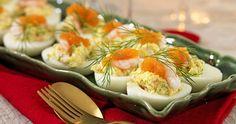 Fyllda ägghalvor med räkor och rom recept