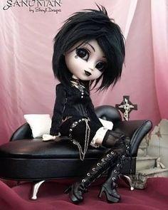 Gothic doll  #gothique #gothic #goth #metalgirl #dolls #doll #lolita #hairstyle #makeup #darkgirl #dark #pinup #victorian #noir #picoftheday #picture #photooftheday