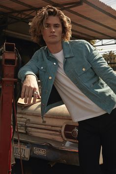 Actor Chase Stokes Will Ignite Your Inner-Explorer on Netflix's Outer Banks Beautiful Boys, Pretty Boys, The Pogues, Surfer Boys, Babe, Hot Actors, Film Serie, Hot Boys, Cute Guys