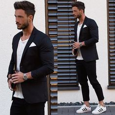 How to Style Adidas Superstar Men. Adidas superstar shoes are the newest and probably a fantastic sneaker trend that is taking all sporty and western fashion by storm for both men and women alike. Adidas Superstar Outfit, Adidas Outfit, Adidas Sneakers, Adidas Hat, Stylish Men, Men Casual, Mode Man, Herren Outfit, Blazers For Men