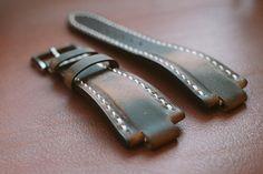 Oris Aquis compatibel lederen horlogebandje full hand Oris Aquis, Apple Watch Leather Strap, Watch Bracelets, Vegetable Leather, Watch Straps, Cool Watches, Leather Craft, Fashion Watches, Watch Bands