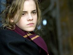 Friendship and bravery Harry Potter Outfits, Harry Potter Love, Harry Potter Universal, Harry Potter Characters, Harry Potter World, Hermione Granger Art, Draco And Hermione, Emma Watson, Queen
