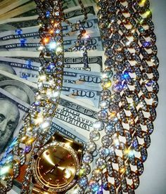 pinterest: reeza912 her pins are bomb af, go check them out! She a baddie! Boujee Aesthetic, Bad Girl Aesthetic, Fille Gangsta, Money On My Mind, Images Esthétiques, Money Images, Rich Girl, Cute Jewelry, Luxury Jewelry