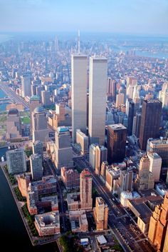 Nice view of the World Trade Center Complex. (Source: New York City Feelings) The Twin Towers opened on April 1973 (I remember the date because it was the year I graduated.) Completion Dates: 1 WTC: December 1970 Ciudad New York, World Trade Center Nyc, Trade Centre, Photo New York, Ellis Island, Yankee Stadium, Belle Villa, City Landscape, Concrete Jungle