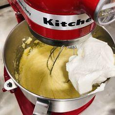 Cel mai bun și mai fin chec glasat cu ciocolată – Chef Nicolaie Tomescu Kitchen Aid Mixer, Mai, Cooking, Food, Kitchen, Essen, Meals, Yemek, Brewing