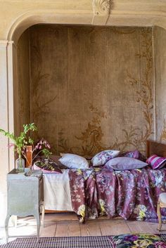 Designers Guild create inspirational home décor collections and interior furnishings including fabrics, wallpaper, upholstery, homeware & accessories. Home Bedroom, Bedroom Decor, Tricia Guild, Living Colors, Designers Guild, French Decor, Beautiful Bedrooms, Beautiful Hotels, Sweet Home