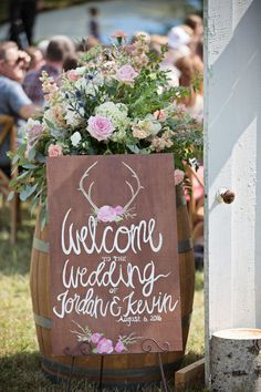 Rustic wedding sign Source by northernroyal Rustic Wedding Reception, Lakeside Wedding, Rustic Wedding Signs, Wedding Table, Elegant Wedding, Boho Wedding Decorations, Rustic Wedding Centerpieces, Rustic Wedding Inspiration, Wedding Ideas