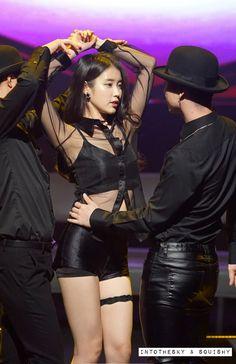 Best 11 150920 IU at Debut Anniversary Fan Meeting – SkillOfKing. Korean Fashion Kpop, Kpop Fashion, Kpop Girl Groups, Kpop Girls, Korean Beauty, Asian Beauty, Japonesas Hot, Asian Woman, Asian Girl