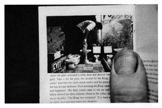 Duane MICHALS - things are queer - 1993 - suite de 8 photos noir et blanc - Jeremy Deller, Duane Michals, Dr Marcus, Photo Sequence, Forced Perspective, Cecil Beaton, Man Standing, Human Condition, Dioramas