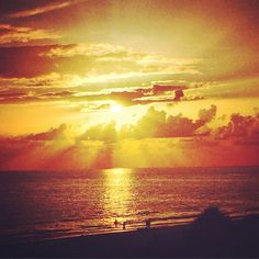 With the rainy weather we've had the past few days, Take Me Away to a #gorgeous #sunset! #TMA http://instagram.com/p/qw-T2NIlME/