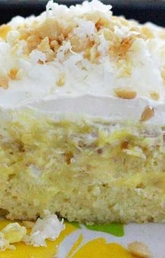 Original pinner says: Hawaiian Pineapple-Coconut Poke Cake! You Will Think You Have Died and Gone to Heaven! This is a New Family Fave! Yummy Treats, Sweet Treats, Yummy Food, Delicious Recipes, Cupcakes, Cupcake Cakes, Poke Cake Recipes, Dessert Recipes, Coconut Poke Cakes