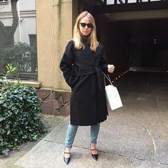 Elin Kling Milan Fashion Weeks, London Fashion, Elin Kling, Fashion Corner, Model Street Style, Minimal Fashion, Signature Style, Celebrity Style, Fashion Outfits
