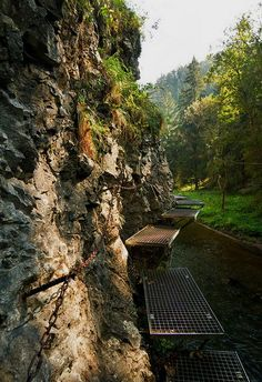 Hiking path above the Hornad river in Slovenský raj National Park, Slovakia Places Around The World, Around The Worlds, Hiking Routes, Heart Of Europe, Top Destinations, Bratislava, Walkways, Caves, Beautiful World