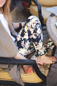 floral skinny jeans and slouchy sweater