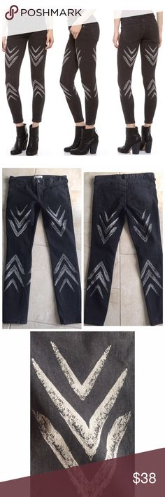 "Free people chevron ikat jeans sz 28 4/6 As seen on tv (star crossed). Awesome worn in look! Has a slightly faded black/gray color with chevrons on the front & back. They have some stretch and are in excellent condition. These are supposed to have a worn look to them. I wore them 1 time! Reasonable offers are welcome. 26"" inseam. Regular rise, not high waist or super low. Free People Jeans Skinny"