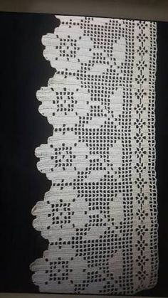 Learn to Crochet – Crochet Wave Fan Edging. How I made this wave fan edging border stitch. Filet Crochet, Crochet Motifs, Crochet Borders, Knit Or Crochet, Learn To Crochet, Crochet Doilies, Crochet Flowers, Easy Crochet, Crochet Stitches