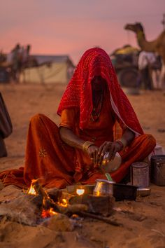 Gypsy woman cooking at Pushkar Camel Fair, India  ᘡℓvᘠ❉ღϠ₡ღ✻↞❁✦彡●⊱❊⊰✦❁ ڿڰۣ❁ ℓα-ℓα-ℓα вσηηє νιє ♡༺✿༻♡·✳︎· ❀‿ ❀ ·✳︎· MON OCT 17, 2016 ✨ gυяυ ✤ॐ ✧⚜✧ ❦♥⭐♢∘❃♦♡❊ нανє α ηι¢є ∂αу ❊ღ༺✿༻✨♥♫ ~*~ ♪ ♥✫❁✦⊱❊⊰●彡✦❁↠ ஜℓvஜ