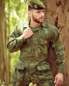 Sexy Military Men, Military First, Military History, Hairy Men, Bearded Men, Hot Cops, Camo Men, Men In Uniform, Muscular Men