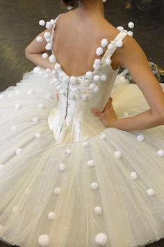MontanaRosePainter: tutu with pom poms (too late for this hope, but I can dream, can't I?)