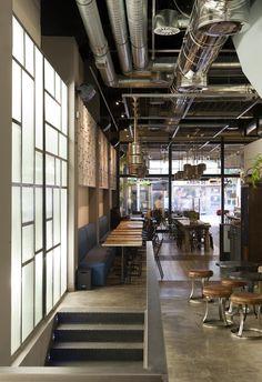 Café & Tapas refresca su imagen con su nuevo local en la madrileña calle Montera. - diariodesign.com