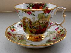 ROYAL ALBERT TEA CUP AND SAUCER OLD COUNTRY ROSES GARDEN SCENE TEACUP