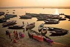 Varanasi, la ciudad donde conviven la vida y la muerte. | En la foto: Río Ganges. http://blogginginthewind.com/varanasi-la-ciudad-donde-conviven-la-vida-y-la-muerte/