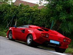 Lamborghini Countach LP400 S '79 - Personally my favorite design ever from Lamborghini.
