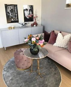 How To Decorate A Grey and Blush Pink Living Room Living Room Modern, Home Living Room, Living Room Designs, Living Room Decor, Bedroom Decor, Blush Pink Living Room, Home Decor Inspiration, Decor Ideas, Home Interior Design