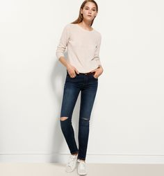 SUPERSKINNY JEANS WITH RIPPED KNEES