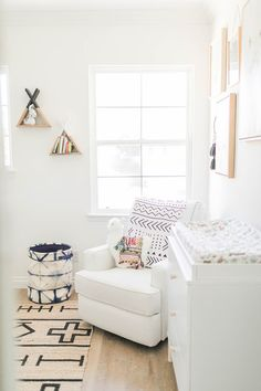 All white nursery ideas gray baby boy nursery ideas white wa Minimalist Nursery, Nursery Modern, White Nursery, Nursery Neutral, Nursery Room Decor, Girl Nursery, Nursery Ideas, Boho Nursery, Baby Boy Rooms
