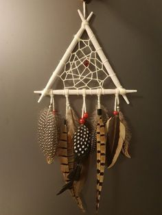 Triangular dreamcatcher, ideal for nursery and kids' room Unicorn Cross Stitch Pattern, Feather Wall Decor, Native American Decor, Dream Catcher Art, Hippie Party, Bone Crafts, Nativity Crafts, Feather Painting, Unusual Gifts