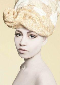 Les perruques tricotées de Louise Walker