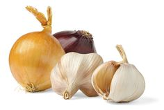While it's a good thing when garlic sprouts if you're planning on planting it, that can be a problem when you use it only for eating. Probably all of you have experienced your garlic growing a little green sprout out … Heart Healthy Recipes, Healthy Life, Clean Eating Snacks, Healthy Eating, Healthy Foods, Garlic Sprouts, Natural Cancer Cures, Natural Medicine, Home Remedies