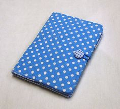 Such a nice cheerful alternative to the usual kindle covers.