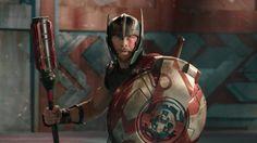 Thor combatte contro Hulk nel primo teaser trailer di Thor: Ragnarok. Nel terzo film che lo vede protagonista, Thor è imprigionato dall'altro lato dell'universo senza il suo potente martello e deve lottare contro il tempo per tornare ad Asgard e fermare il Ragnarok, la distruzione del suo mondo e la fine della civiltà asgardiana, per …