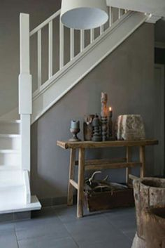 Puur Wonen | Kleur & Sfeeradvies B.V. | www.kleursfeer.nl Farmhouse Stairs, Painted Stairs, Floor Colors, Hallway Decorating, Wall Wallpaper, Interior Design Inspiration, Interior Architecture, Luxury Homes, Entryway Tables