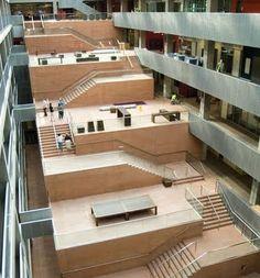 Atrium stair by David Chipperfield Atrium Architecture, Contemporary Architecture, Architecture Design, Contemporary Landscape, Floating Architecture, Installation Architecture, Landscape Design, Ecole Design, David Chipperfield Architects