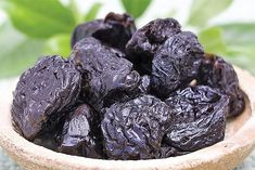 šušené švestky Blackberry, Fruit, Food, Essen, Blackberries, Meals, Yemek, Rich Brunette, Eten