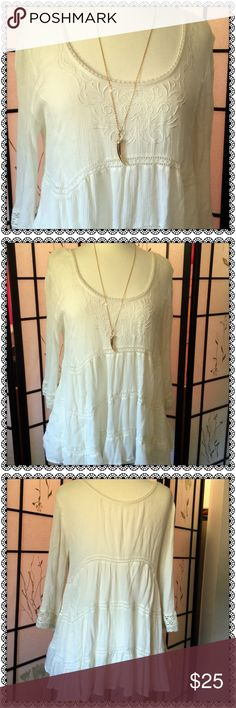 FREE PEOPLE Boho Chic Loose Flowy Lacey Top An Amazingly Pretty Comfortable Top With Loose, Lacey Layers. Very Boho-Chic and Feminine! Extremely Comfy! Wear with your Favorite Leggings or Jeans with Booties to Complete the Look! Free People Tops